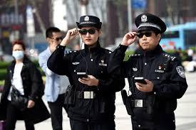 Polisi China Memperkenalkan Kacamata Pengenal Wajah Untuk Menangkap Penjahat
